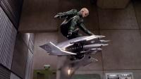 电影史上最不靠谱的飞行器《蜘蛛侠》滑翔翼, 驾驶者掉下来九死无生