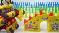 小企鹅波鲁鲁多米诺玩具和变形警车珀利恐龙战士机器人变形金刚好玩【俊和他的玩具们