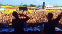 这DJ太坏了, 在观众high的时候竟然。。。