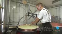 以特殊风味闻名世界的瑞士奶酪, 竟然是这样制作出来的