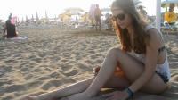 音乐、沙滩、美女, 这个季节适合在意大利比比恩海边穿搭, 美翻了