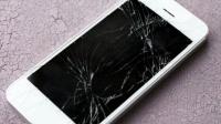 手机的这个问题再也不用去手机店维修了, 用家里的牙膏轻松帮你解决, 屏幕又新又亮