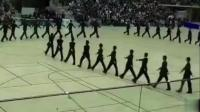 马上开学了! 先来看看日本军训汇报表演, 只能用逆天来形容!