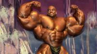 """47岁的肌肉黑金刚, 被称为""""上半身之王"""", 可以媲美罗尼库尔曼!"""