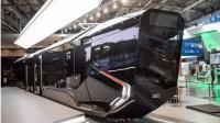 实拍俄罗斯炫酷太空飞船电车, 超舒适座椅全景窗科技感十足!