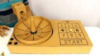 如何用纸板在家制作轮盘赌游戏机