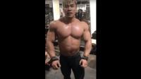 健美冠军周大伟背肌训练 虎背熊腰!
