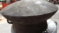 从收废品那里用五毛钱一斤价格购买的一口大锅 专家看了哈哈大笑