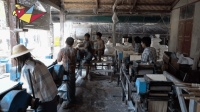 缅甸穷不穷, 多少年能追上中国? 看看他们怎么做面条就知道了