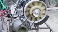 实拍: 报废车上拆下来的旧发动机, 听听启动声音怎么样。