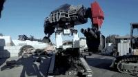 美国人造的巨型格斗机器人, 足有三层楼高并且能发射炮弹
