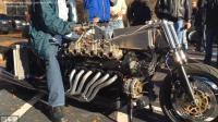 三辆摩托车, 估计价格能值同品牌的汽车。兰博基尼, 法拉利和阿尔法罗密欧。