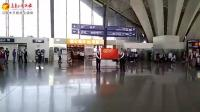 乌鲁木齐国际机场航站楼内空姐快闪
