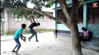 印度阿三傻缺二货搞笑视频 看一次笑一次 肚子都笑疼了