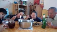 老鸭炖什么最好最营养 老人滋补汤清炖鸭汤美食吃播视频