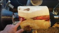 厂里月薪9000的木匠, 看他如何把一截普通木头车成花瓶!