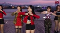 香港美女cosplay性感热舞, 跟着一起抖动起来