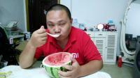 西瓜用勺子吃的坏处 用勺子吃西瓜好吗
