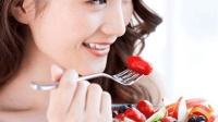 怀孕3个月的孕妈吃了草莓后流产, 孕期不能吃什么不能再忽视了!
