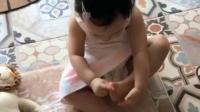 伊能静女儿成功逆袭蜕变小天使, 聪慧可爱, 表演睡觉的表情萌化了