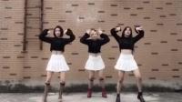 三美女跳韩国舞蹈