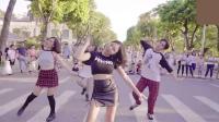 韩国舞蹈: BlackPink户外舞蹈翻跳, 路人齐围观!