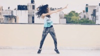 快樂舞蹈, Zumba尊巴! 跳躍, 揮動手臂, 扭臀, 非常自由。