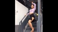 辣妈女神跳恰恰舞, 一看就很专业