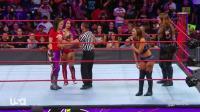 WWE美女摔角格斗赛, 精彩极了, 都把对手打跪下了, 值得一看!
