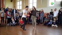 夫妻交谊舞《红尘情歌》两人舞步很好, 很专业的啊!