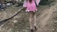 丝袜高跟鞋, 性感美女转过来 兽性难驯相关视频