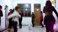 0202_3红红秀舞老师带着舞友们围着小动物跳着兔子舞