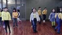 欢快的《Handclap》舞蹈儿童版, 动作简单可爱, 有个小男孩一直在尬舞