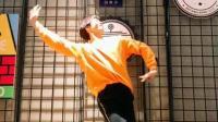 帅哥舞蹈好性感 网友: 身材好怎么跳都好看