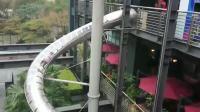 从四层楼高的地方溜下来! 姐姐惊吓指数破表! 户外最高螺旋溜滑梯 16米高Sunny Yummy