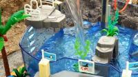 制作海洋乐园, 橡皮泥和精美的小汽车, 小朋友快看啊。小臭臭亲子游戏