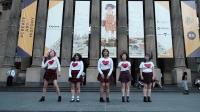 胖胖的女生们街头跳蹦迪舞《Bboom Bboom》, 势要蹦出完美身材!