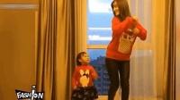 """李小璐带甜馨来尬舞, 这才叫""""舞林高手""""!"""