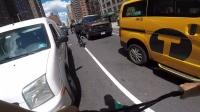 刺激! 外国BMX小伙纽约城街头特技骑行