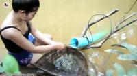 农村美女河边捕鱼, 自制捕鱼神器, 隔天的收获太意外了