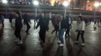美女跳人人都能跳的广场舞 十八步广场舞教程