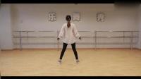 日本美女为什么要带个帽子跳爵士舞, 为了迷人吗