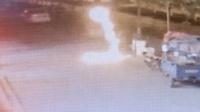 2歲男童玩酒精引火燒身 5小伙脫衣滅火