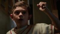 KIKI电影解说《迷镇凶案》: 爸爸的快乐的想象不到!