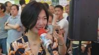 《容易受伤的女人》, 王菲至今被公认为乐坛天后, 美女龙婷街头翻唱 堪比原唱