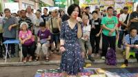 歌声飘过30年, 旺角美女龙婷翻唱, 谭咏麟80年代一首老情歌
