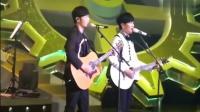 林俊杰李荣浩现场默契互唱对方经典作品, 真是太会玩, 现场歌迷真是太有耳福了! ! !