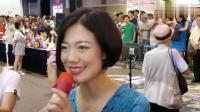 街头歌手小龙女翻唱陈慧娴的经典老歌《飘雪》唱的真好听!