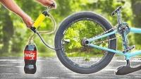 小伙给自行车胎灌满可乐还玩起杂技, 网友: 坐等爆胎的那一刻!