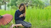 你知道100元人民币能让老挝美女做什么? 说出来你估计都不信!